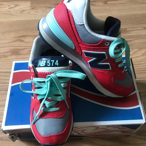 Women's 574 New Balance Sneakers